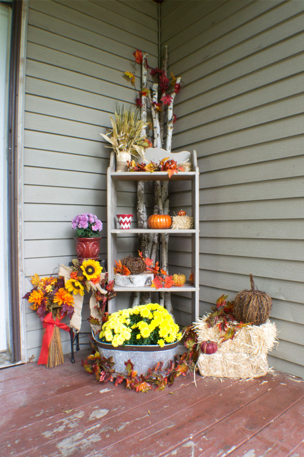 traditional fall front porch decor