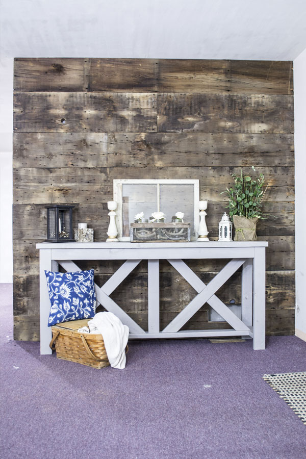 barnwood-wall-_-wall-and-table-vertical
