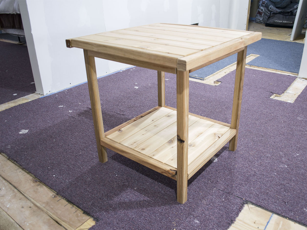 diy-farmhouse-side-table-before-stain