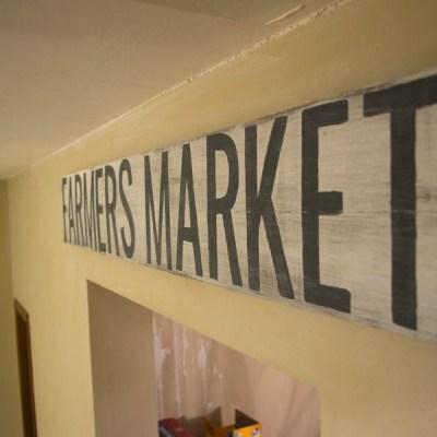 DIY Rustic Farmers Market Sign