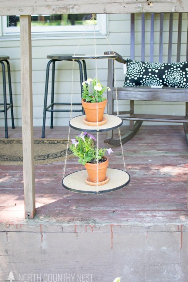 emrboidery hoop hanging planter