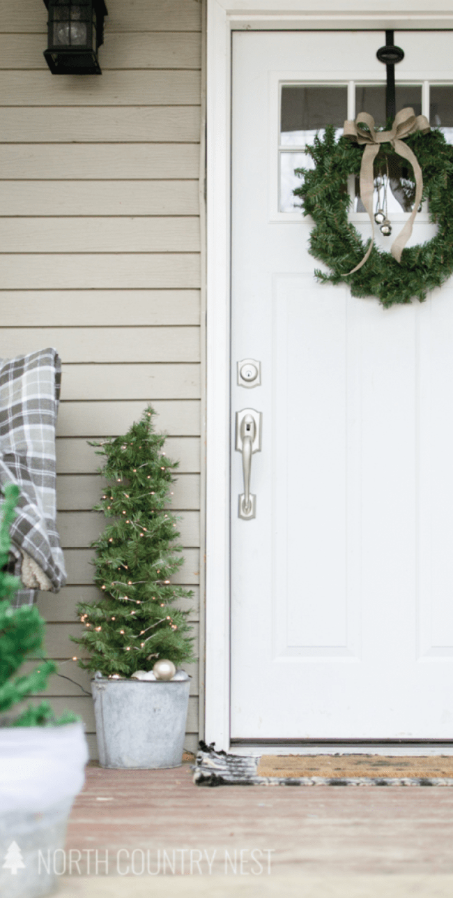 simple and rustic holiday porch tour