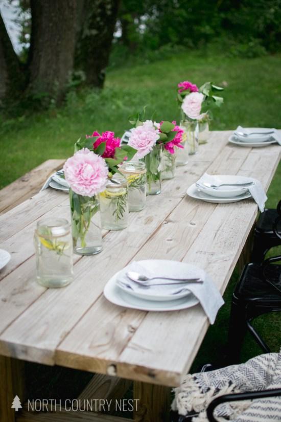 simple summer table decor