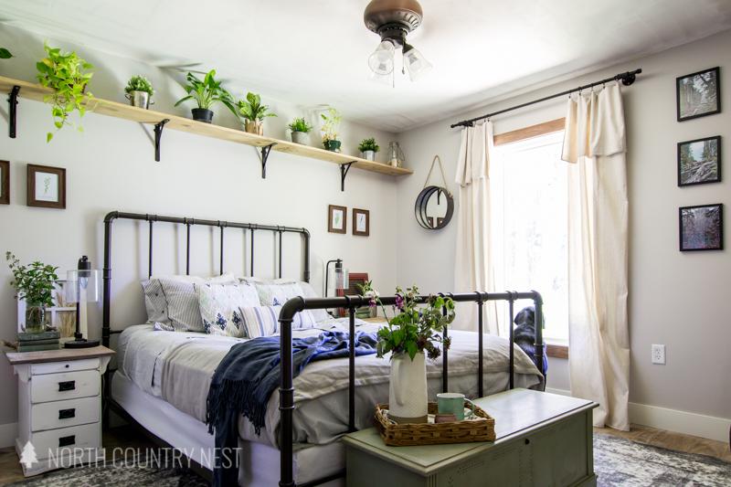 simple summer bedroom decor