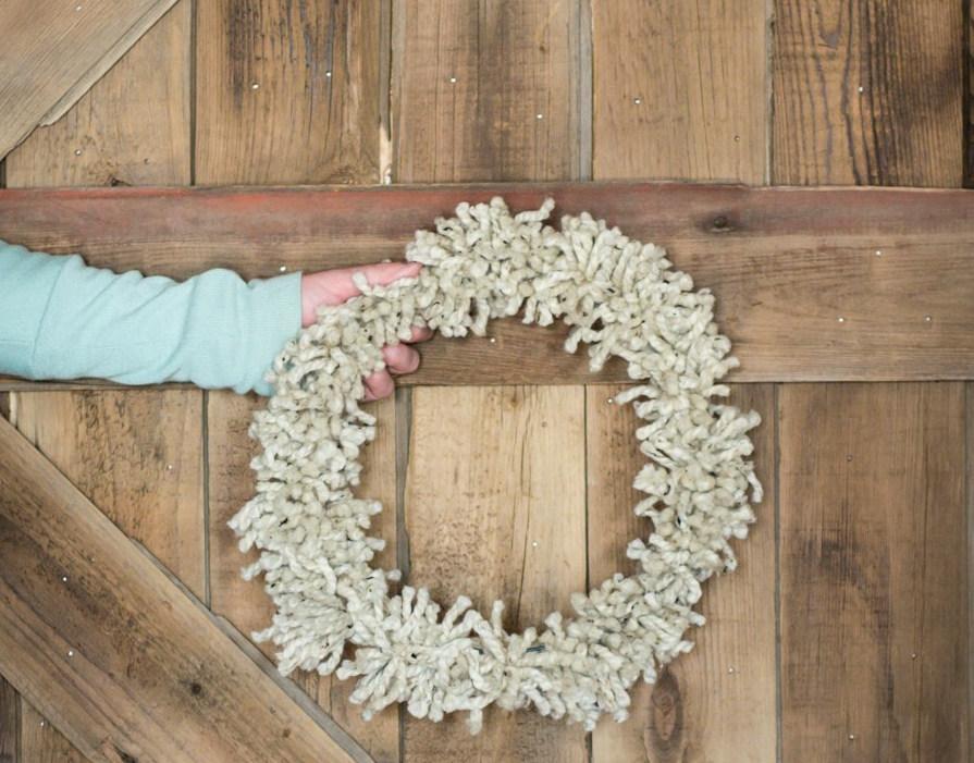 cozy pom pom wreath
