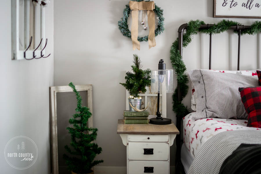 holiday guest bedroom decor