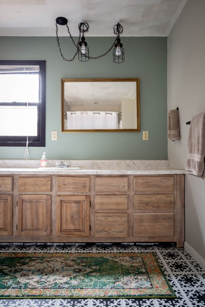https://www.northcountrynest.com/a-bathroom-update-the-wonders-of-paint/