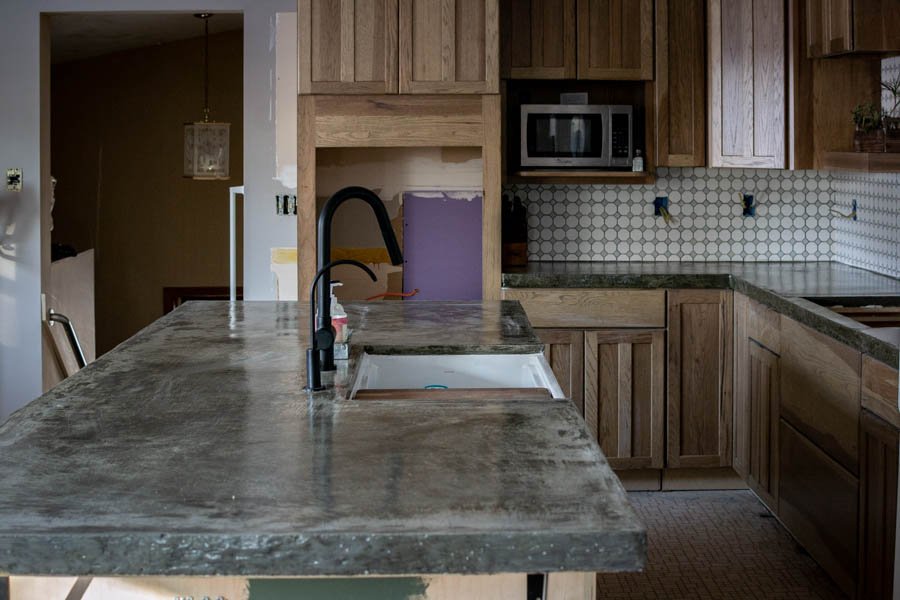 How to DIY a Kitchen Concrete Counter Top | DIY counter tutorial from North Country Nest #northcountrynest #kitchencounter #concretecounter