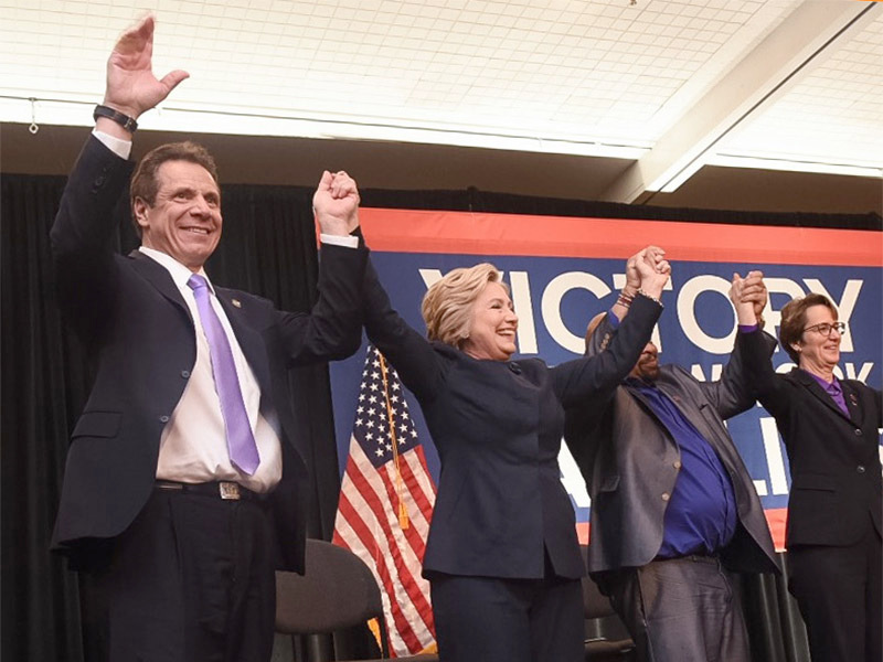 hillary clinton campaigning in