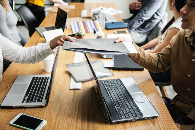 Project Management vs. Operations Management: What's the Difference?