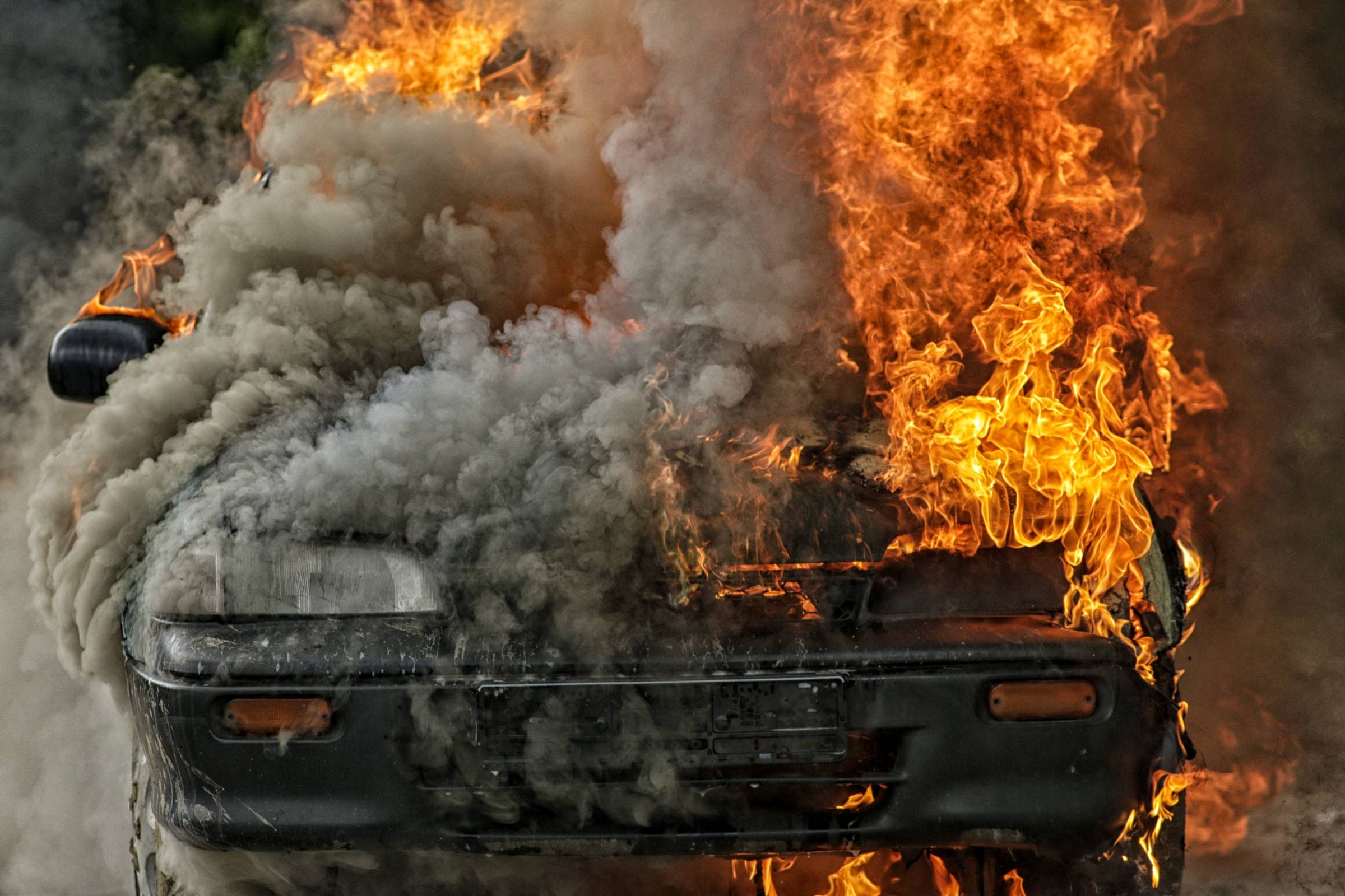 Burning,Car,-,Fire,And,Smoke