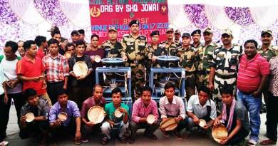 Meghalaya: BSF Provides Leaf Plate making machine to villagers