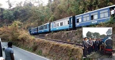 Railway Board Chairman visits Darjeeling Himalayan Railway