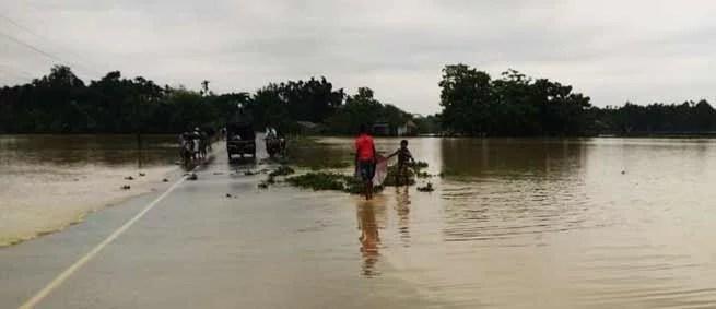 Assam: Flood hits 60 thousand people in Hailakandi