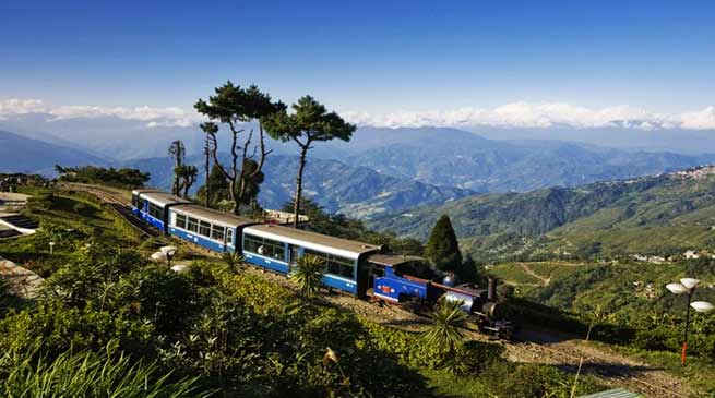 Darjeeling Himalayan Railway starts evening toy train service