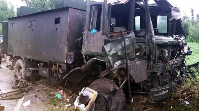 Army convoy targeted with IED blast in Pulwama, 9 jawan injured