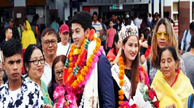 Manipur:Lukanand Kshetrimayum and Langpoklakpam Melody receive a rousing welcome at Imphal
