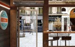 Commercial low profile air curtain restaurant entrance