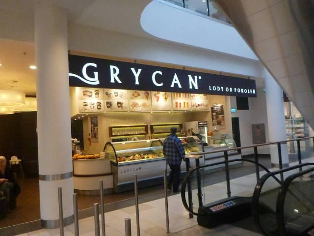 Grycan, Inside Galeria Neptun