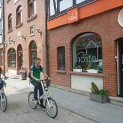 Dziwaczne Odkrycia: Cycling in Gdańsk with the Sexy Mika on The Road