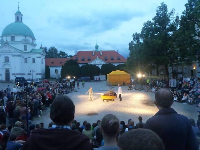 Dziwaczne Odkrycia: Watching Wyspa, An Outdoor Musical Shakespeare Performance in Nowe Miasto, Warszawa