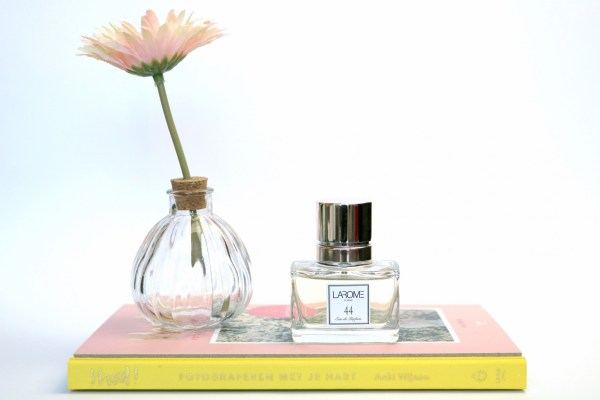 review_larome_parfum_7 licht