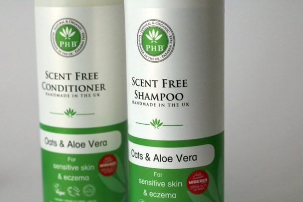 Review PHB Ethical Beauty Oats & Aloe Vera Scent Free shampoo 1