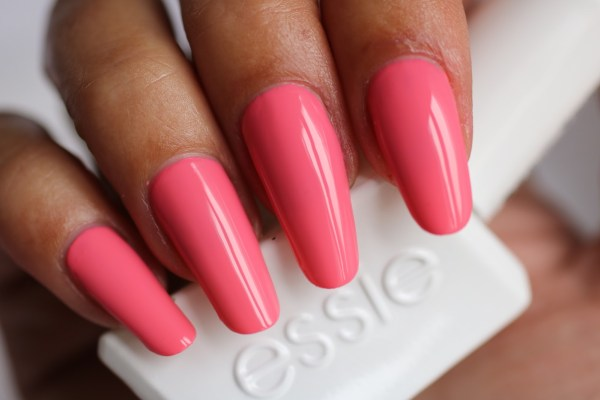 10-essie-signature-smile-with-topcoat