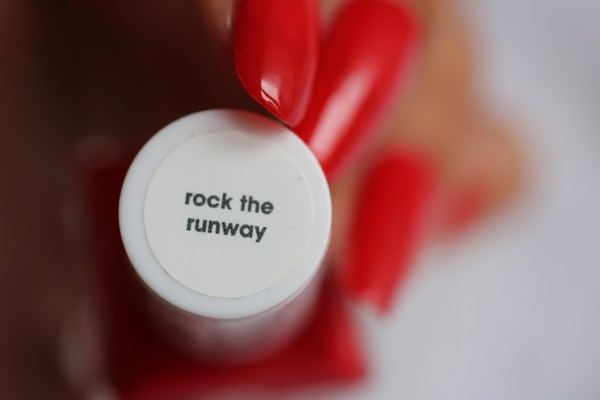 14-essie-gel-look-rock-the-runway