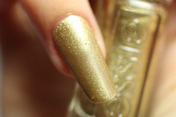 essie getting groovy goud gold winter collectie collection 2016 2017 swatch
