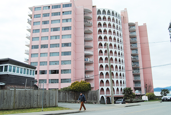 https://i0.wp.com/www.northshoredailypost.com/wp-content/uploads/2019/09/Pink-Palace-West-Van.jpg?fit=600%2C402&ssl=1