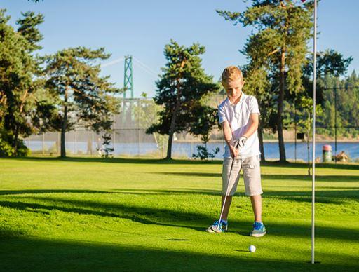 https://i0.wp.com/www.northshoredailypost.com/wp-content/uploads/2020/06/ambleside-golf.jpg?fit=512%2C388&ssl=1