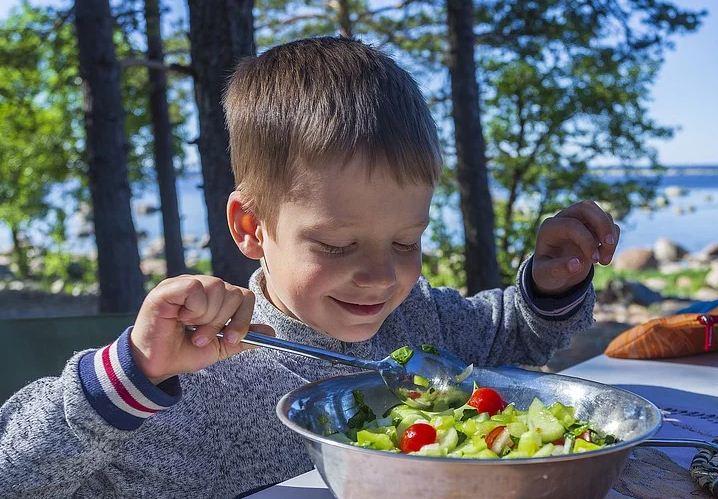 https://i0.wp.com/www.northshoredailypost.com/wp-content/uploads/2021/02/Kid-vegetables.jpg?fit=718%2C499&ssl=1