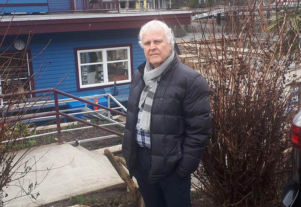 https://i0.wp.com/www.northshoredailypost.com/wp-content/uploads/2021/03/Barry-Hall-West-Vancouver.jpg?fit=1000%2C687&ssl=1