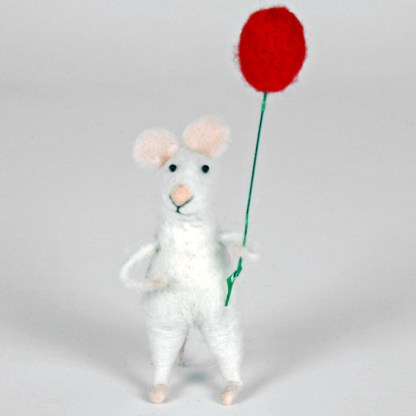 Felted mouse with balloon