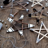 Rustic and Modern Twig Stars - learn how to make them!