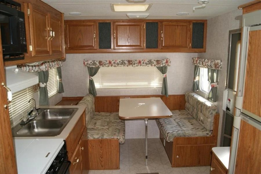 2000 Fleetwood Mallard Floor Plan