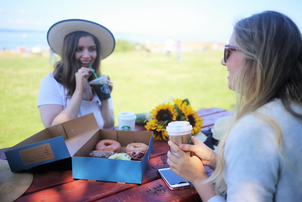 make the most of summer when you work - paperless post - toppot donuts - blogger girl gang - hello rigby - northwest blonde - lace and pearls blog