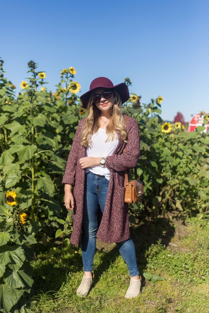 easy fall outfit - cute fall outfits - j.jill knit topper