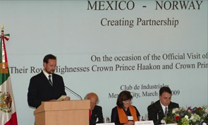 "INTSOK promoting the Norwegian oil and gas industry abroad, arranged the network meeting ""How to do business in Mexico"" during the Crown Prince and Crown Princess' recent visit to Mexico."