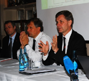 (From left) State Secretary Vidar Ulriksen, Ministry of Fisheries and Coastal Affairs, Minister of Petroleum and Energy Terje Riis-Johansen and Minister of the Environment and International Development Erik Solheim. Foto: The Ministry of the Environment.