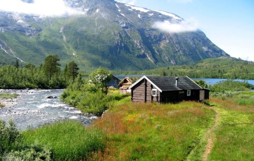 You can rent this affordable, yet beautiful cabin on Reindalsseter in the Tafjord Mountains. Photo by Berit Hessen.
