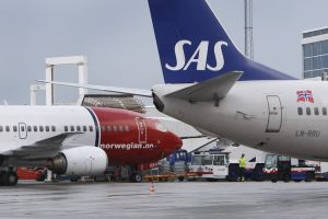 Air traffic has started again at Stavanger Airport, Sola after airspace was shut down by the ash at 02 tonight. (Photo: Jon Ingemundsen)