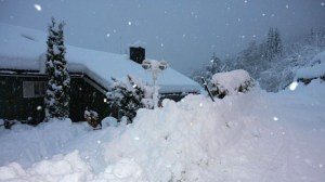 50 cm of snow fell last night in Stryn, Norway. Photo: Arne Vik, yr.no