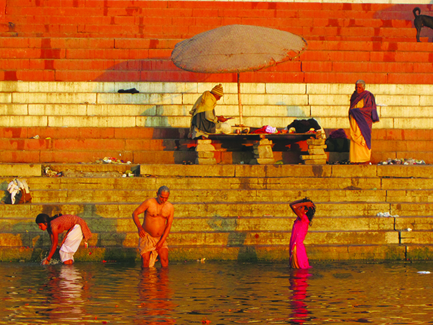 Photo: Thor A. Larsen Bathing on the banks of the Ganges in the city of Varanasi.