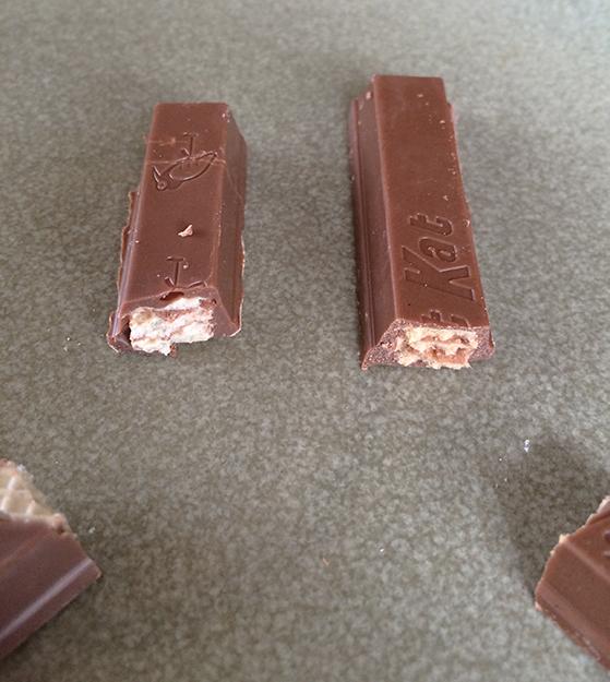 A KitKat and a Kvikk Lunsj side by side