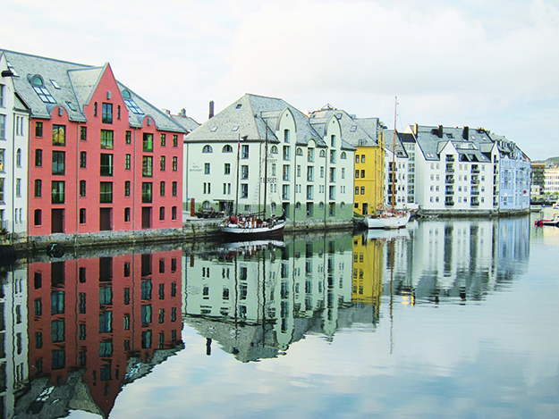 Photo: Jack Kollé Ålesund's picturesque harbor.