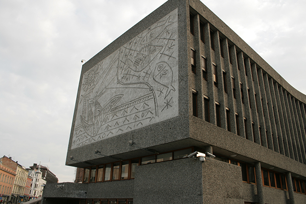 "Photo: GAD / Wikimedia Commons ""Fiskerne"" mural in Oslo."