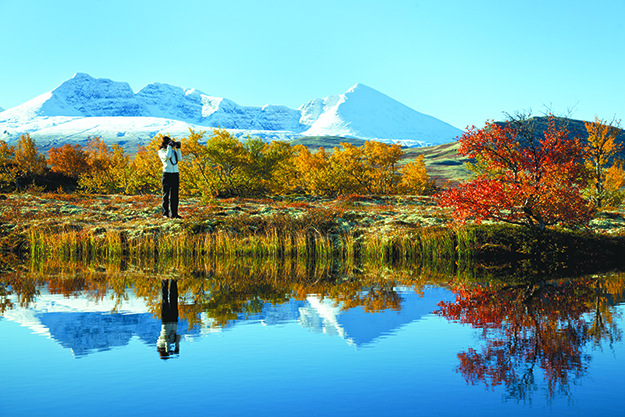 Photo: Asgeir Helgestad / Artic Light AS / visitnorway.com Autumn in Rondane Nasjonalpark is a beautiful time.
