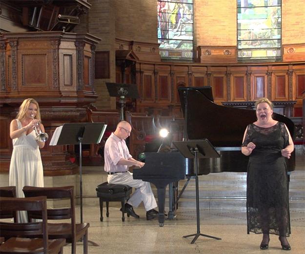 Photo: Sean Swinney From left to right: Anja-Christin Nielsen, trumpeter; Richard Pearson Thomas, pianist; and Lisa Dæhlin, Soprano.